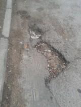 Dziurawe ulice Krakowa. Czytelnicy wskazują nam drogi do pilnego remontu [ZDJĘCIA]