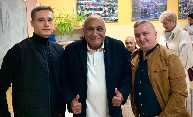 Hubert Dzikołowski (z prawej) i Don Vasyl (w środku0 współpracują już od jakiegoś czasu. Teraz Dziku jest znowu w Ciechocinku. Szykuje się nowy projekt z królem romskiej muzyki?