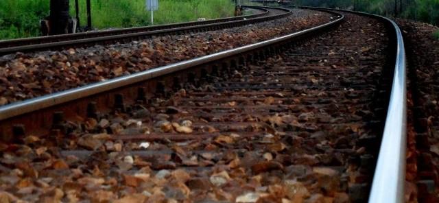 Wypadek w Kobylnicy: Nie żyje kobieta potrącona przez pociąg