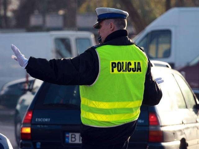 Policja kieruje ruchem