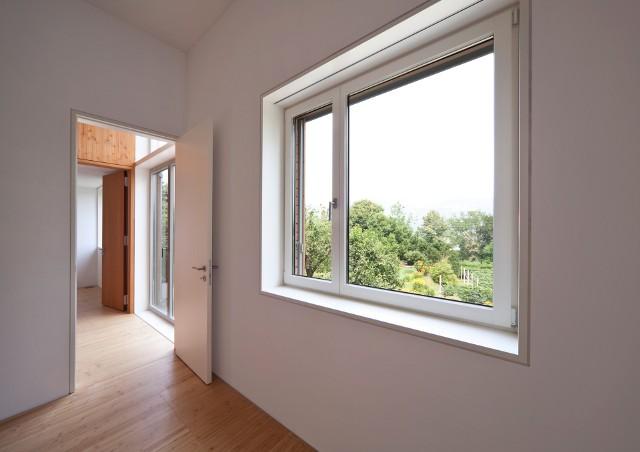 Zakup mieszkania jest dziś trudny z uwagi na wysokie ceny, jednak wciąż da się znaleźć na rynku tańsze lokale.