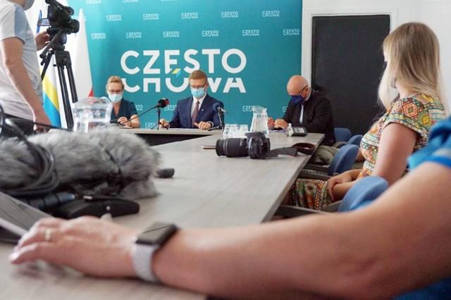 Zasady tegorocznego budżetu obywatelskiego w Częstochowie przedstawiono podczas specjalnej konferencji prasowej. Zobacz kolejne zdjęcia. Przesuwaj zdjęcia w prawo - naciśnij strzałkę lub przycisk NASTĘPNE