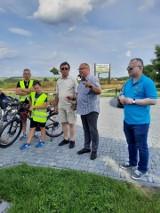 Rajd rowerowy po pięknych zakątkach gminy Krasocin. Jechali też włoszczowscy starostowie (ZDJĘCIA)