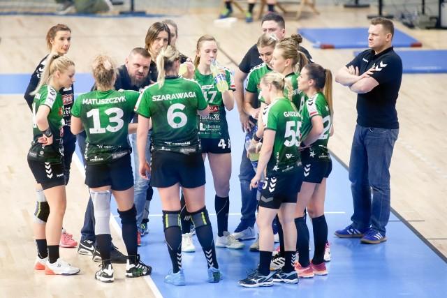 Piłkarkom ręcznym MKS Perła Lublin nie udało się dograć do końca sezonu 2019/2020, ale nie ma wątpliwości, że zasłużyły na tytuł mistrza Polski. To już 22. złoty medal dla zespołu z Lublina. Prezentujemy szczypiornistki, które w tym sezonie przyłożyły rękę do zdobycia mistrzostwa PGNiG Superligi Kobiet.