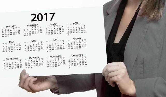 W 2017 roku pracujący na etatach będą mieli 115 dni wolnych. Jak wydłużyć sobie długi weekend? Sprawdź na kolejnej stronie.
