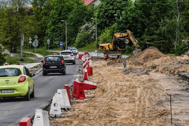 Generalna Dyrekcja Dróg Krajowych i Autostrad informuje, gdzie w Lubuskiem kierowcy napotkają utrudnienia w związku z prowadzonymi pracami remontowymi i drogowymi.