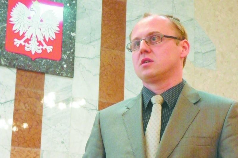 – Oszczędności na likwidacji funkcji prezesa nie są duże, bo w połączonym sądzie będzie on miał zastępcę – tłumaczy sędzia Krzysztof Adamiak z Zambrowa.