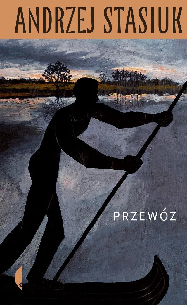 Andrzej Stasiuk zabierze czytelników do wsi nad Bugiem w środku upalnego czerwca 1941 roku, gdy rzeka dzieli pozostających po jednej stronie Niemców i Rosjan na drugim brzegu, a nocą wiejski przewoźnik kursuje między nimi, przewożąc każdego, kto zapłaci.