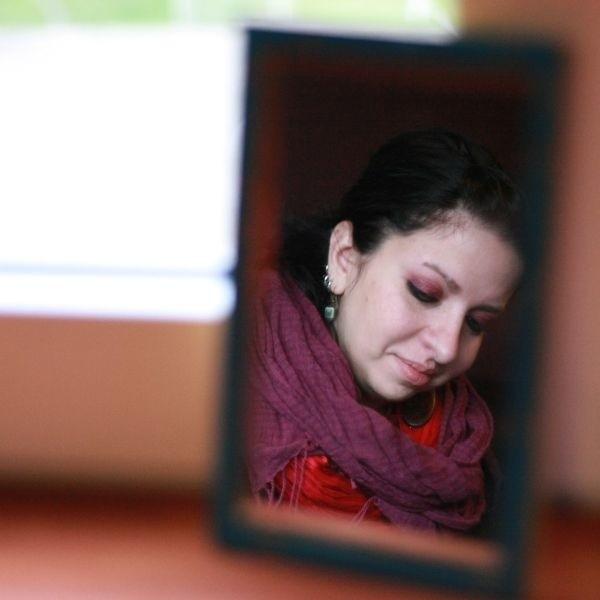 Magdalena Szliselman była jedną z najlepszych studentek Akademii Sztuk Pięknych w Toruniu. Jej prace docenił rektor poznańskiej ASP na IV Biennale Gafiki Studentów w Poznaniu 2005.
