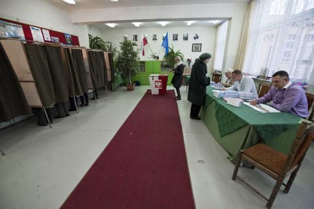 A jak tuż przed zamknięciem lokali wyborczych wyglądały nastroje w sztabach wyborczych i wśród kandydatów na włodarza Koszalina?
