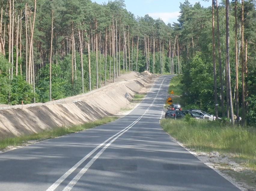 Tak wygląda opisywany fragment nowej drogi w Krówce Leśnej....