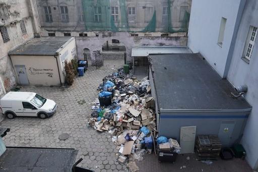 Wysypisko śmieci przy ul. Stary Rynek