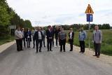 Mieszkańcy Jeżowic w gminie Włoszczowa mają 1,2 kilometra nowej drogi (ZDJĘCIA)