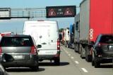 Kilkukilometrowy korek na A4 pod Wrocławiem. Uważajcie, by tam nie utknąć