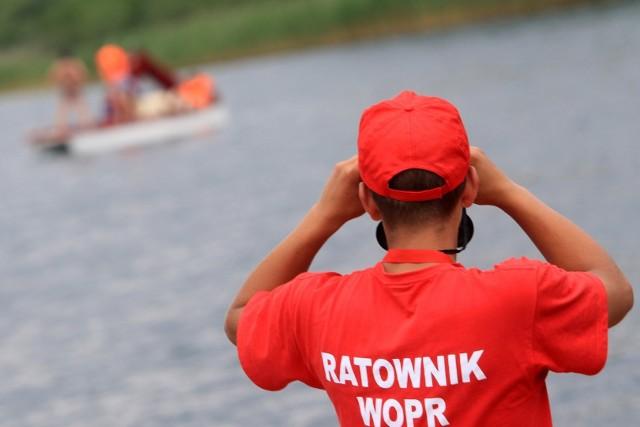 Nad jeziorem Dużym w Turawie, Jeziorem Nyskim oraz rzece Odrze w Koźlu i Brzegu, a także wyrobiskach w Dębowej i Januszkowicach, jest usytuowanych 6 baz ratownictwa wodnego.