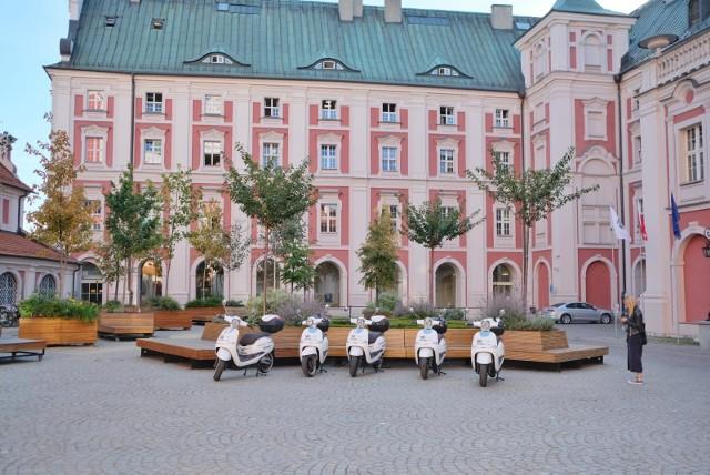 Czym zajmują się wydziały Urzędu Miasta Poznania?