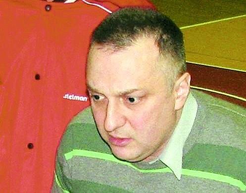 Andrzej Sinielnikow trenuje koszykarzy Tura Bielsk Podlaski, którzy po pierwszej części sezonu zajmują piąte miejsce w ligowej tabeli. Jednocześnie bielszczanie są bliscy zajęcia jednego z czterech miejsc gwarantującym rozstawienie przed rozgrywkami play-off. Drugą rundę Tur rozpocznie meczem w Piasecznie.