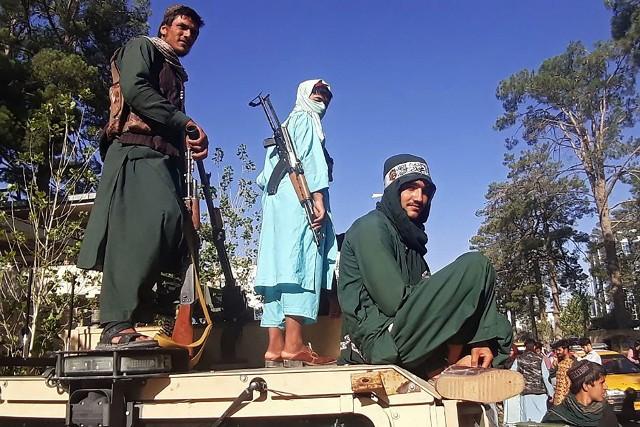 Afganistan. Talibowie są już blisko stolicy kraju Kabulu. Amerykanie w pośpiechu ewakuują pracowników. Nie ma już ratunku dla tego kraju?
