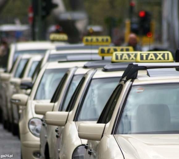 Taksówkarz wpadł na ulicy Wojska Polskiego w Szczecinie.