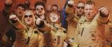 """Piosenka """"Dwie minuty"""" OSP Michałowo i zespołu Jobery podbija Internet! Zobacz porywający teledysk strażaków z Podlasia (wideo)"""