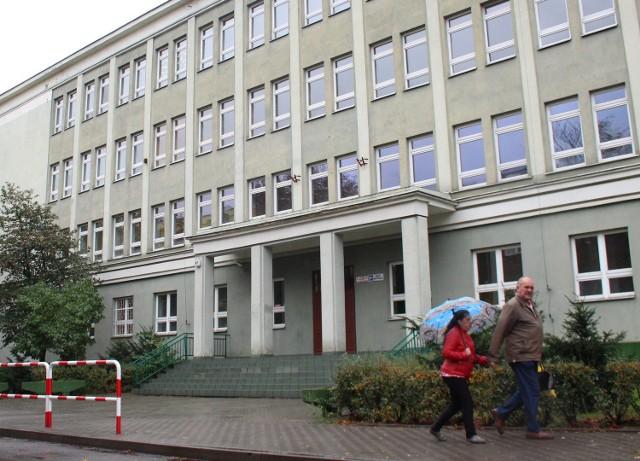 Budynek dawnego gimnazjum przy ul. Wojska Polskiego przed zagospodarowaniem zostanie ocieplony