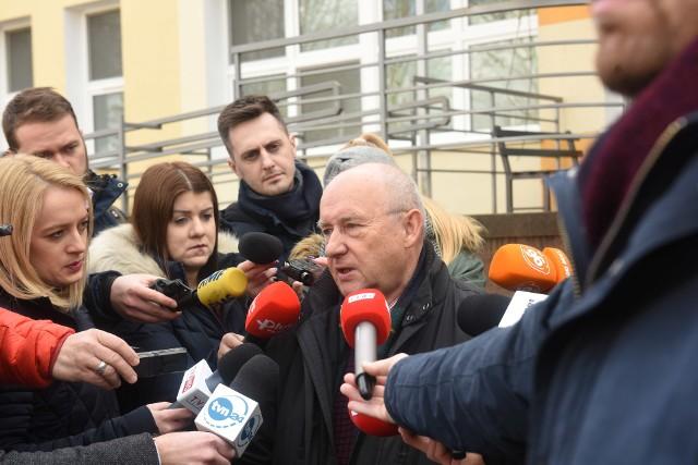 Koronawirus w Lubuskiem. Dr Jacek Smykał, kierownik oddziału zakaźnego w Szpitalu Uniwersyteckim w Zielonej Górze, odpowiada na pytania mieszkańców.