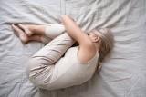 Premenopauza, czyli etap przed menopauzą. Jakie daje objawy i w jakim wieku się zaczyna? Ile trwa premenopauza?