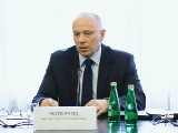 Piotr Pytel, były szef SKW, zatrzymany przez Żandarmerię Wojskową. Zarzuty dotyczą współpracy z FSB
