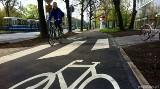 Miała być rowerowa autostrada, jest chodnik ze ścieżką. Nie pojedziesz szybko do Bielan Wrocławskich