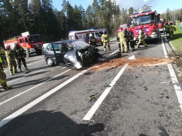 Wypadek w Widłach na DK 65