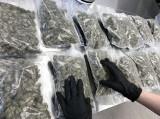 Policjanci z Koszalina przejęli 4,5 kg narkotyków. 30-latek miał kilkaset porcji marihuany i amfetaminy. Grozi mu 10 lat za kratami ZDJĘCIA