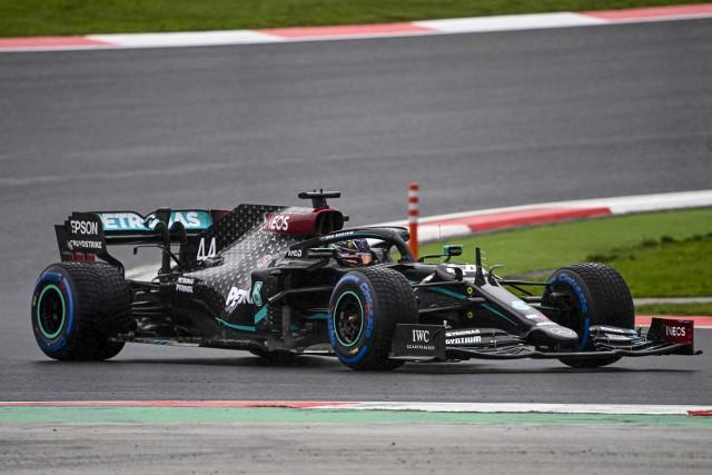 Hamilton znokautował Bottasa, wygrał Grand Prix Turcji i jest mistrzem świata