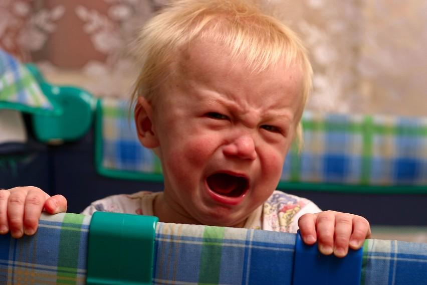 """Historia Piotra Szostka z Torunia - ojca skarżącego się, że matka dziecka od 2 miesięcy blokuje mu kontakty z nim - wywołała falę zgłoszeń. """"Mamy tak samo"""" - opisują ojcowie. Sądy im przez czas pandemii nie pomogły, bo zajmowały się tylko sprawami pilnymi.CZYTAJ DALEJ >>>>>"""