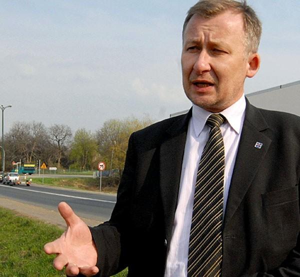 - Ta droga należy do jednych z najbardziej ruchliwych dróg w Polsce. Na dobę przejeżdża nią 20 tys. pojazdów. Należy ją więc jak najszybciej zmodernizować i nie odkładać w czasie – apeluje Adam Krzysztoń, starosta łańcucki.