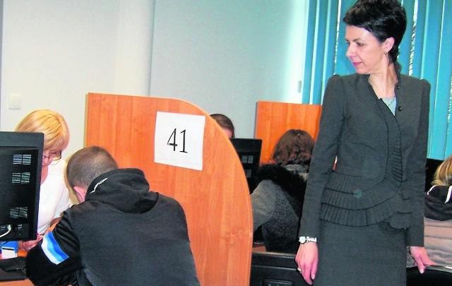 Kierowniczka BŚR w Kaliszu Marzena Szuleta zapewnia, że  wypłaty z programu Rodzina 500 Plus realizowane są niezwłocznie