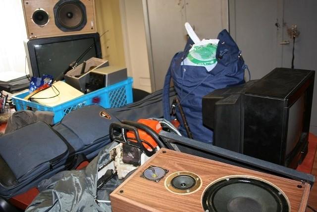 Wśród skradzionych rzeczy były telewizory i sprzęt ogrodniczy