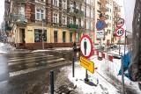 Atak zimy zatrzymał remont ul. Jedności Narodowej we Wrocławiu [ZDJĘCIA]