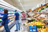 Połowa klientów sklepów bez maseczek. Seniorzy są przerażeni i nie robią zakupów. Będą wysokie kary i powrót do większych obostrzeń?