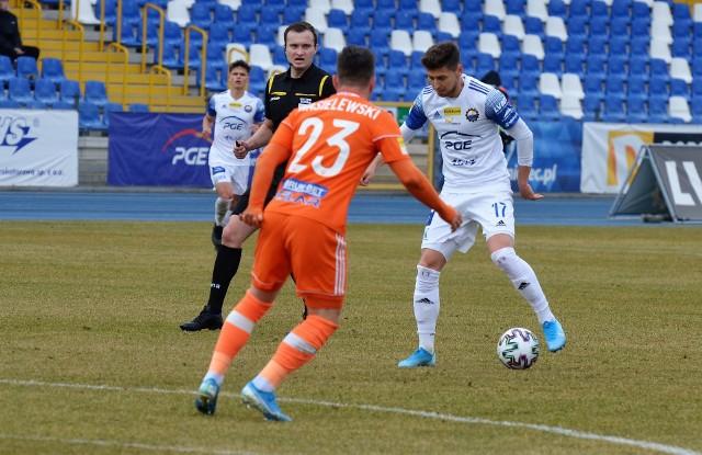 Bartosz Nowak (przy piłce) już wkrótce może zmienić barwy klubowe