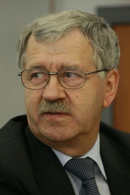 Rząd dąży do stabilizacji złotówki - uważa dr Anatoliusz Kopczuk. - I dobrze, bo wszelka zmienność nie służy gospodarce.