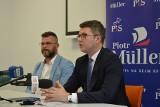 Piotr Müller, rzecznik prasowy rządu w Bytowie. Promował Polski Ład i spotkał się z mieszkańcami