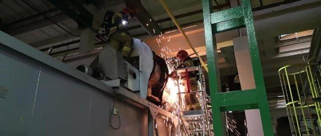 W jednym z zakładów w Niepołomickiej Strefie Inwestycyjnej zapaliła się instalacja przemysłowa. Działania gaśnicze, w których brali udział strażacy z JRG Wieliczka i OSP Niepołomice trwały ponad dwie godziny