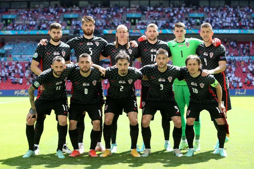 Euro 2020. Anglia o bramkę lepsza od Chorwacji. Upał w Londynie, piłkarze klęknęli przed meczem