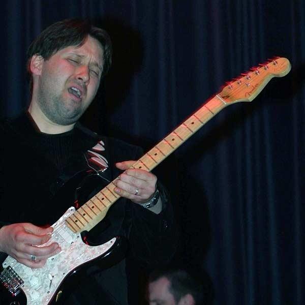 "Sebastian Stachurski jako gitarzysta pokazał ""pazur""."