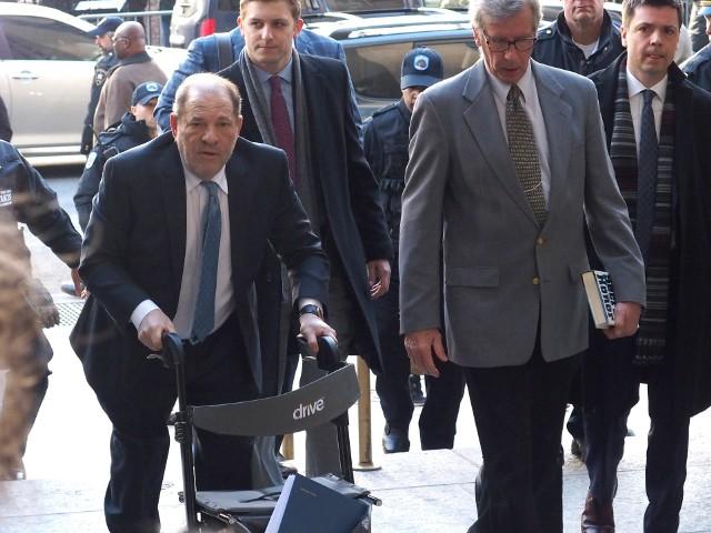 Na swój proces w lutym Weinstein przybył z fotelem inwalidzkim