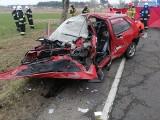 Śmiertelny wypadek pod Koninem. W miejscowości Rumin zderzyły się czołowo dwa samochody. Nie żyje jedna osoba