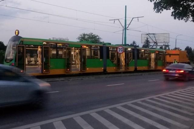 Do wypadku doszło na początku czerwca na ul. Hetmańskiej w Poznaniu. Wiadomo, że motornicza tramwaju wjechała na skrzyżowanie przy czerwonym świetle. Nie wiadomo jeszcze, jakie światło paliło się dla tragicznie zmarłego 8-letniego Jasia.