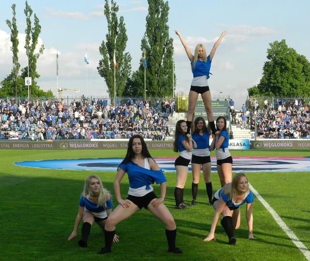 Chorzowskie cheerliderki na meczu Ruch Chorzów - Wisła Kraków 2:2