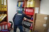 Grupa przestępcza rozbita, sprzęt przekazany szpitalom. Chodzi o co najmniej 160 mln zł lewych faktur VAT