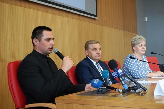 Na konferencji prasowej w Centrum Wystawienniczo-Konferencyjnym Archidiecezji Białostockiej ks. Rafał Arciszewski zapewniał, że plan ŚDM w Białymstoku jest dobrze przygotowany.
